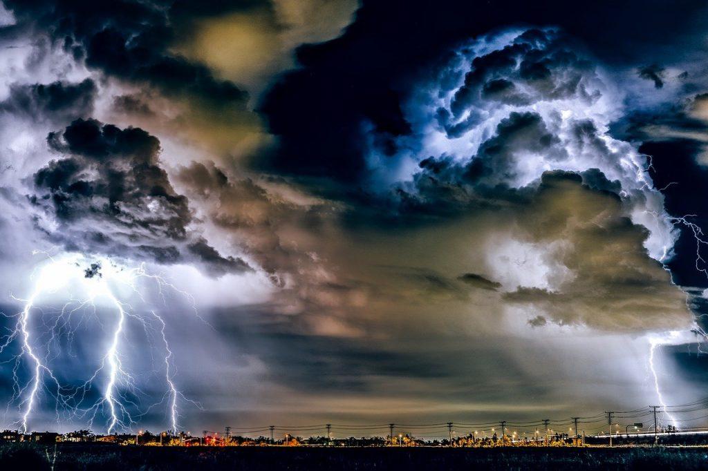 thunderstorm, weather, storm-1768742.jpg